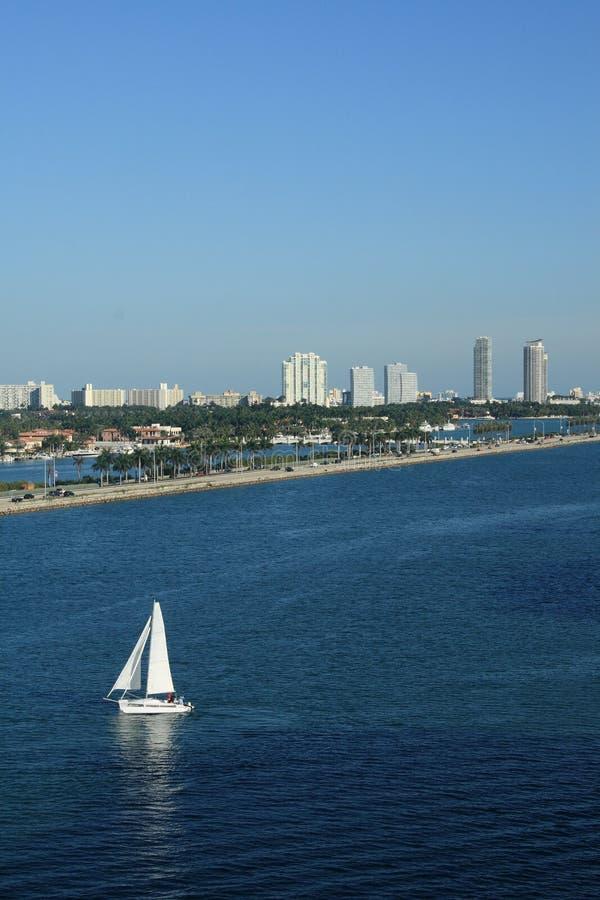 Zeilboot in het Strand Miami Florida van het Zuiden royalty-vrije stock afbeelding