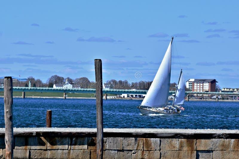 Zeilboot in Nieuwpoort Rhode Island royalty-vrije stock foto