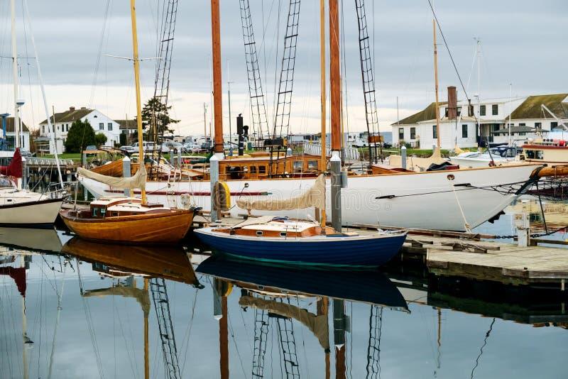 Zeilboten in jachthaven royalty-vrije stock foto's