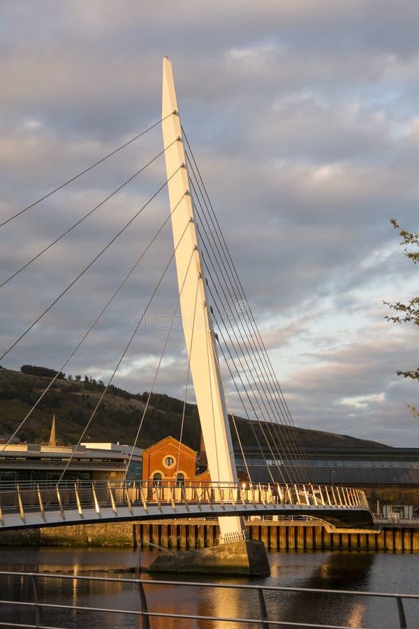 Zeilbrug, Swansea in avondzonlicht stock afbeeldingen