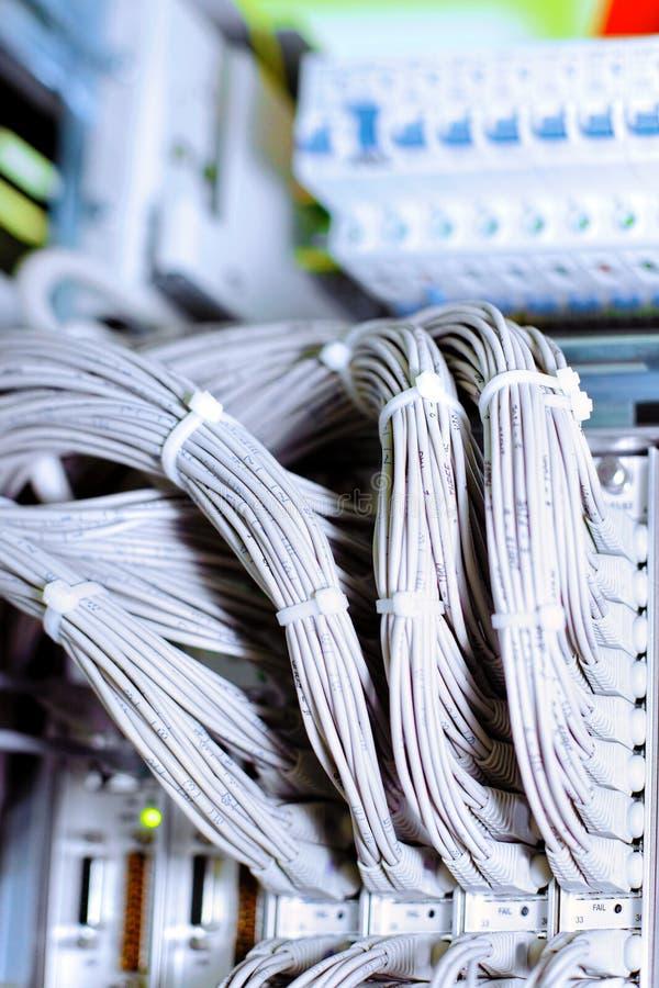 Zeile der Telekommunikation E1 in einem datacenter bewegliches O lizenzfreies stockfoto