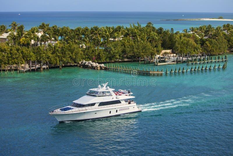 Zeilen in de Bahamas stock afbeelding