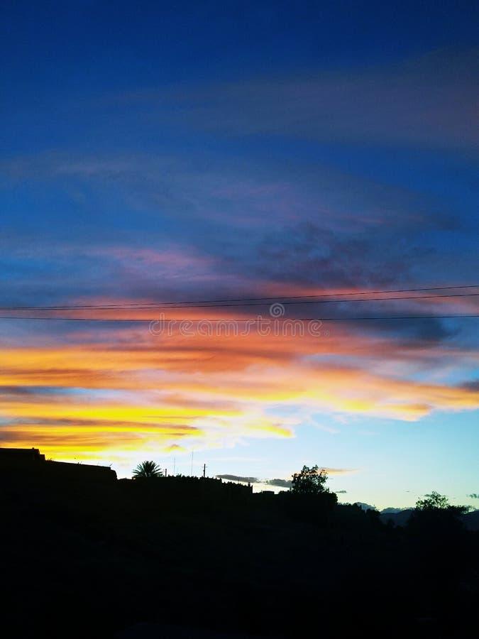 Zeilen im Himmel lizenzfreies stockfoto