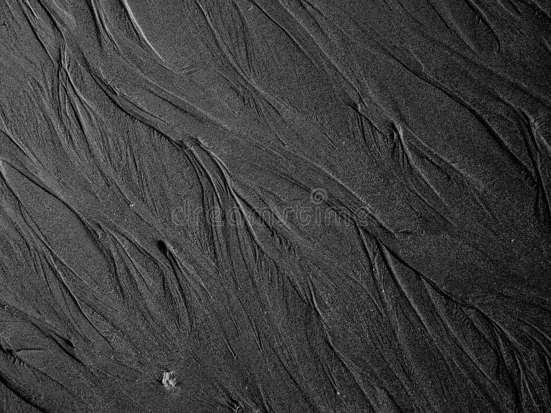 Zeilen im Sand stockfoto