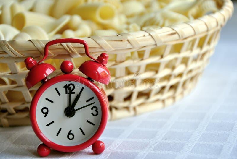 Zeit, das Mittagessen zu essen stockfotos
