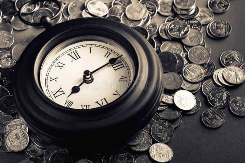 Zeit - ein Geld lizenzfreie stockbilder