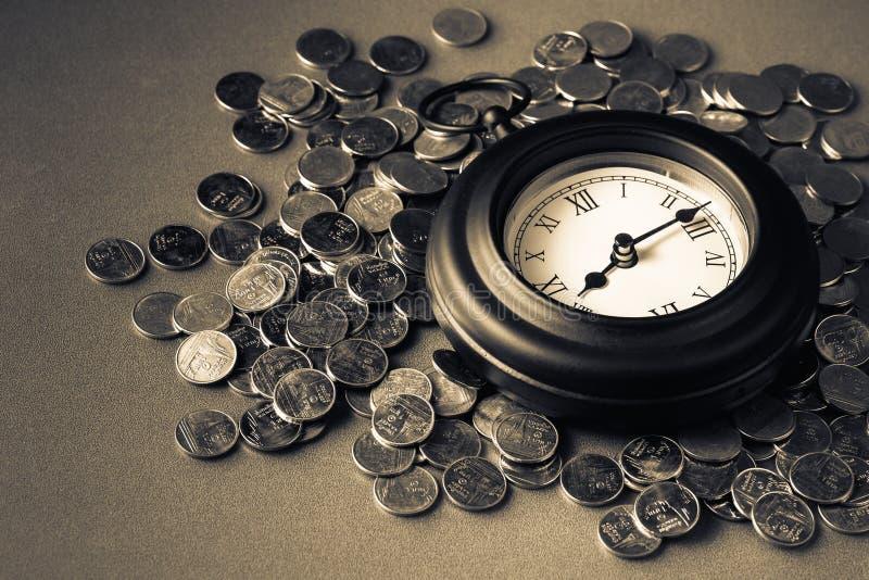 Zeit - ein Geld lizenzfreie stockfotos