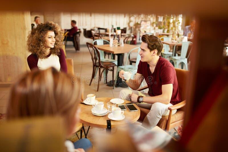Zeit für Kaffee lizenzfreies stockfoto