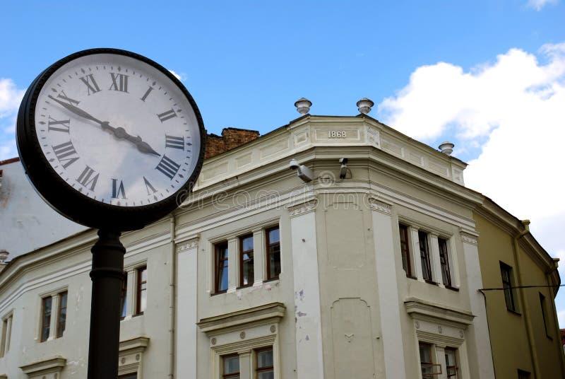 Zeit und die Stadt lizenzfreies stockbild
