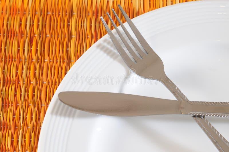 Download Zeit zu essen stockfoto. Bild von mealtime, messer, mittagessen - 12202754