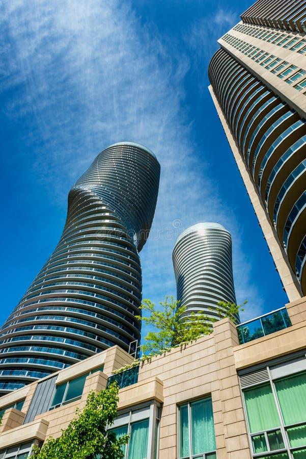 Zeitgenössische Architektur in Mississauga Kanada lizenzfreies stockfoto