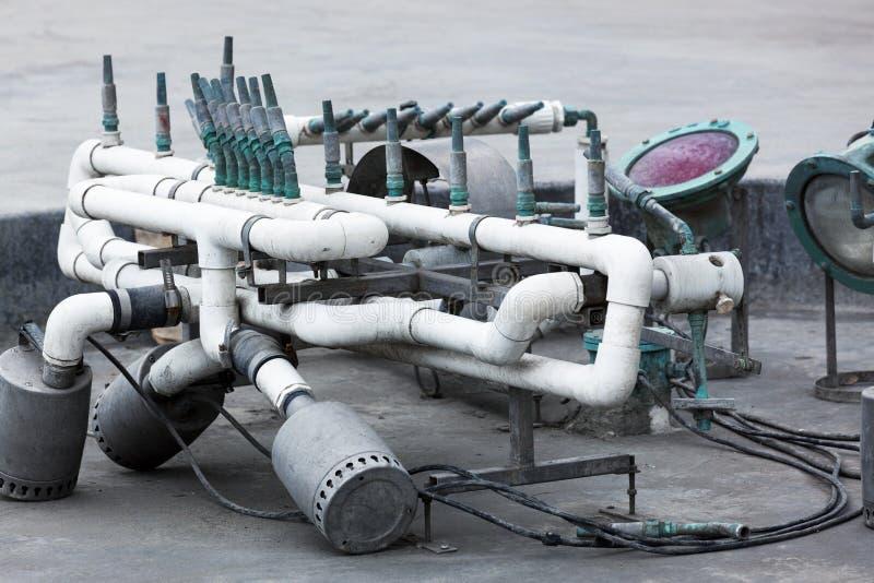 zeitgenössischer Brunnen der Ausrüstung lizenzfreies stockbild