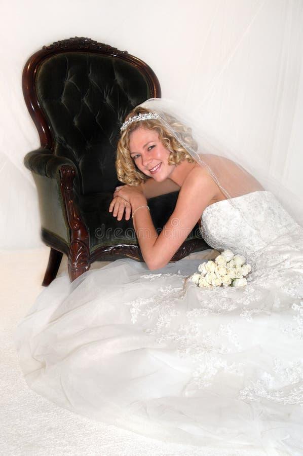 Zeitlose Schönheits-Braut zum zu sein lizenzfreie stockfotos