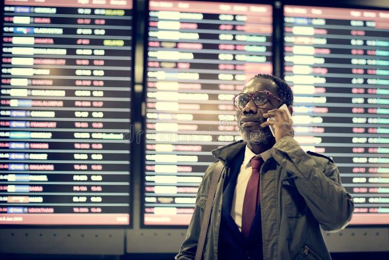 Zeitplan-Dienstreise-Ankunfts-Abfahrt-Reise-Konzept stockfotografie