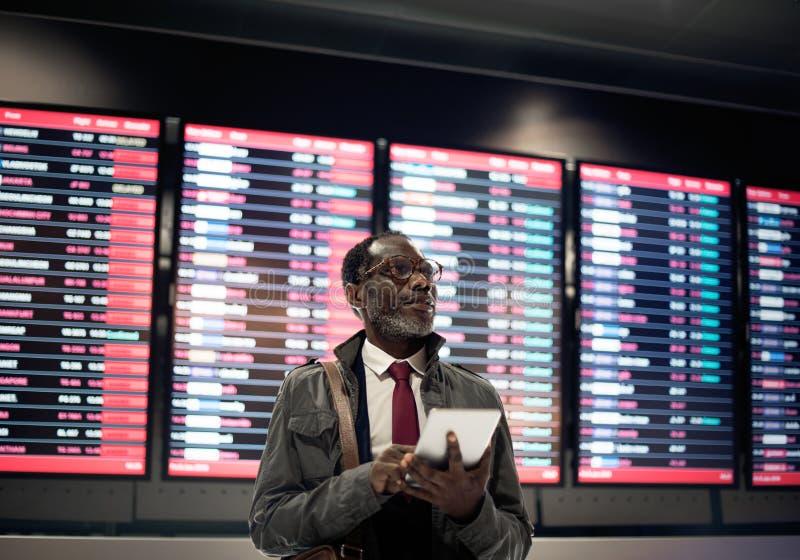 Zeitplan-Dienstreise-Ankunfts-Abfahrt-Reise-Konzept lizenzfreie stockfotos
