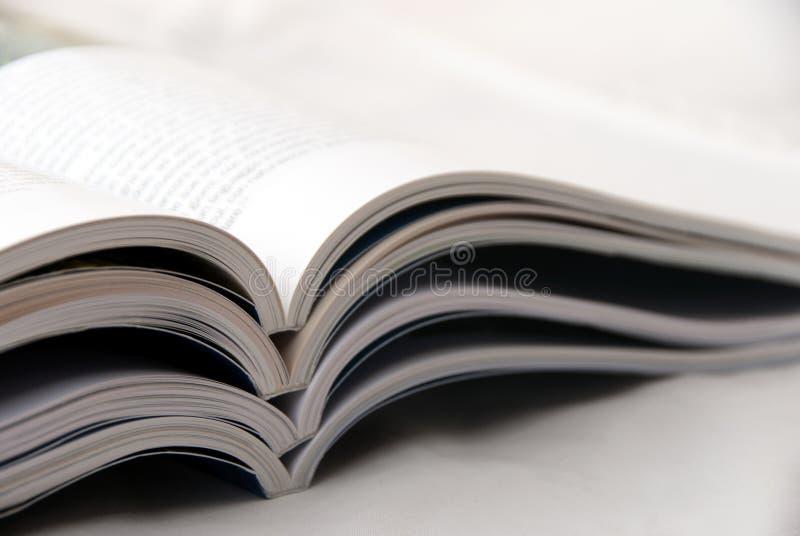 Download Zeitschriften stockbild. Bild von feuilletonist, informationen - 17379895