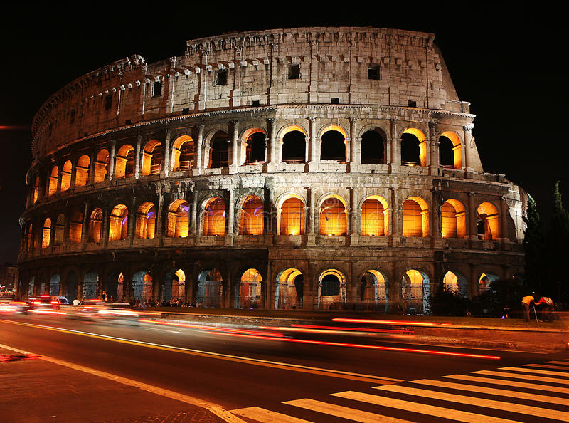 Zeitspannefoto bei Colosseum stockfoto