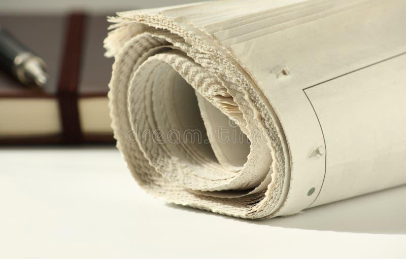 Zeitung und Notizbuch stockfotografie