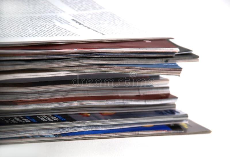Zeitungen und Zeitschriften lizenzfreies stockfoto
