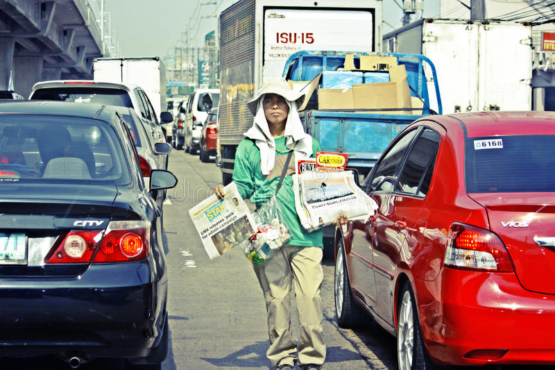 Zeitungs-Junge Manila Philippinen lizenzfreies stockbild