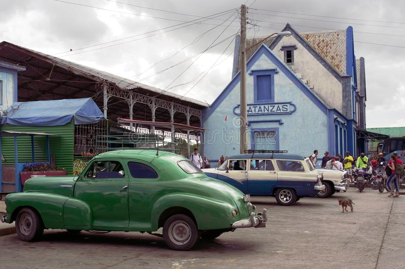Zeldzame Klassieke die Auto's in Cuba worden geparkeerd royalty-vrije stock afbeeldingen