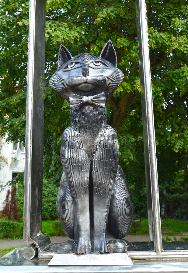 ZELENOGRADSK, RUSSIA. Monument to the Zelenograd cats, close up. ZELENOGRADSK, RUSSIA - AUGUST 27, 2016: Monument to the Zelenograd cats, close up stock images