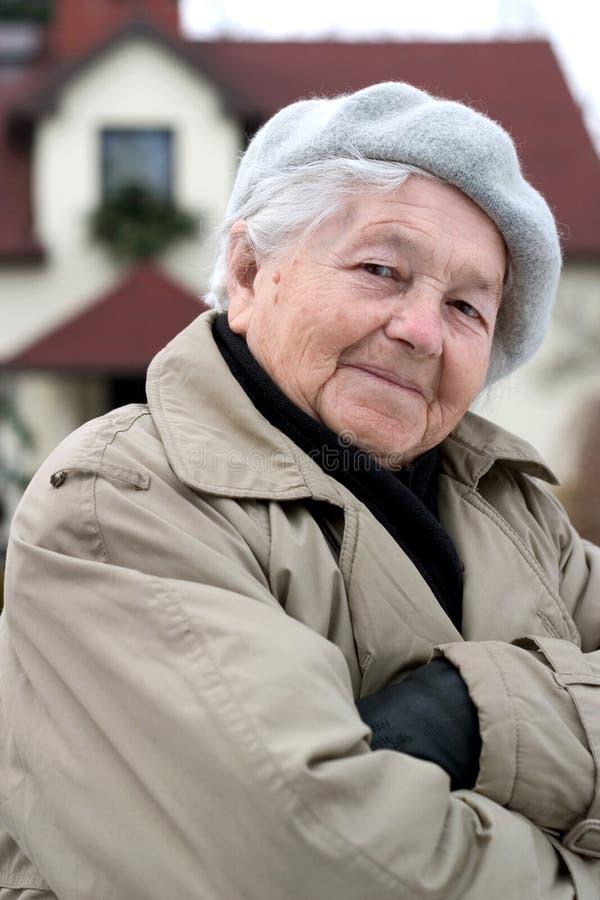 Zelfverzekerde bejaarde persoon royalty-vrije stock afbeeldingen