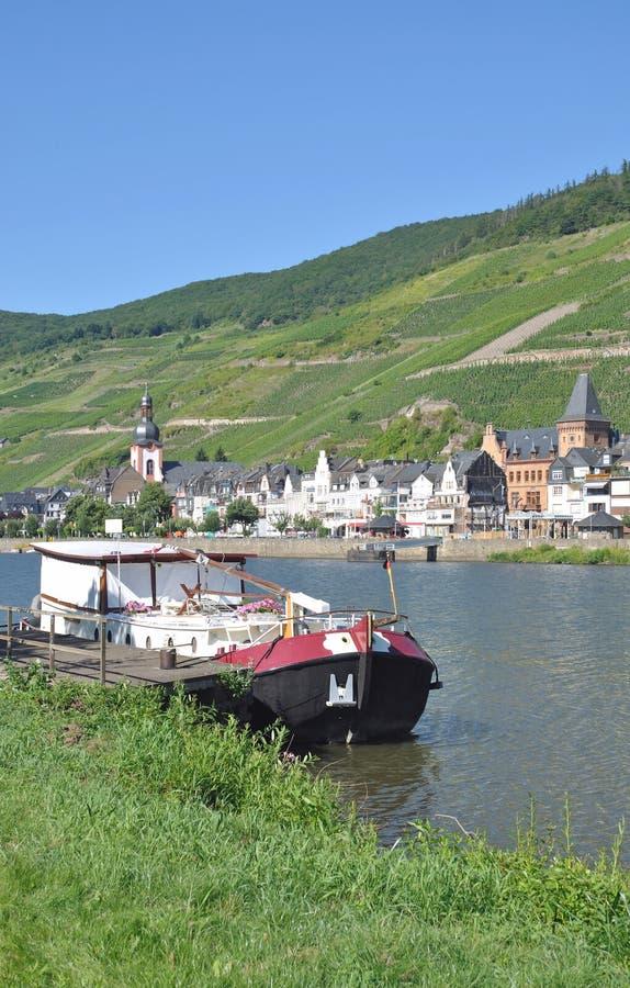 Download Zell Mosel flod, Tyskland arkivfoto. Bild av palatinate - 27281130