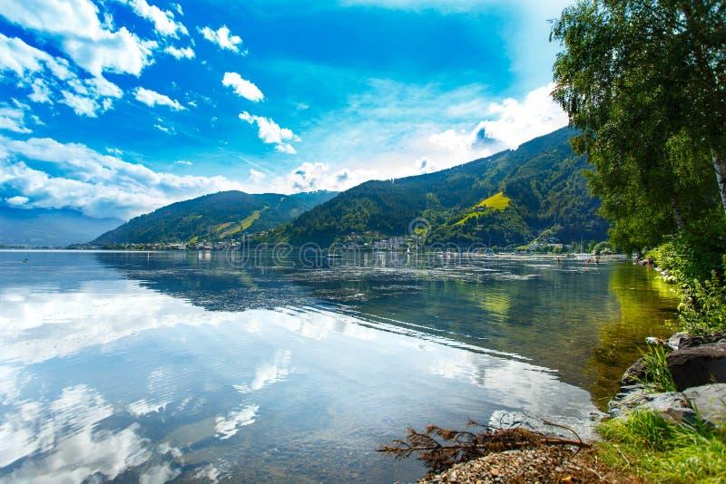 Zeller Widzii jezioro Zell Am Widzii, Austria, Europa Alps przy tłem obrazy royalty free