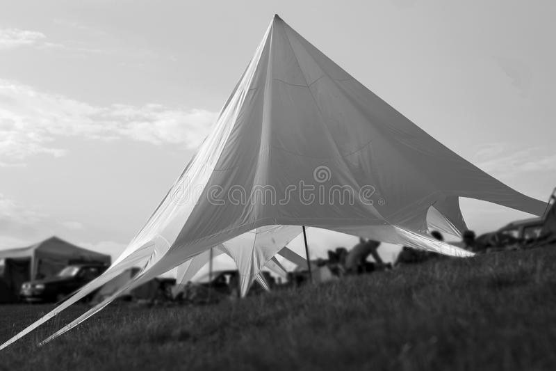 Zelt, zum auf dem Hügel zu bleiben stockfotos