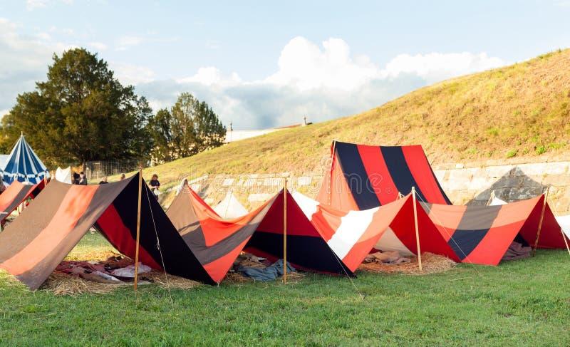 Zelte auf Militärlager stockfotografie