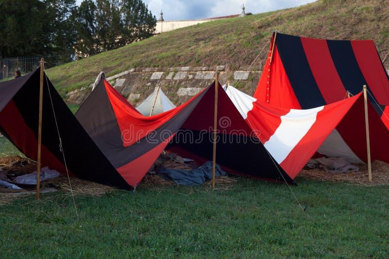 Zelte auf Militärlager lizenzfreies stockbild