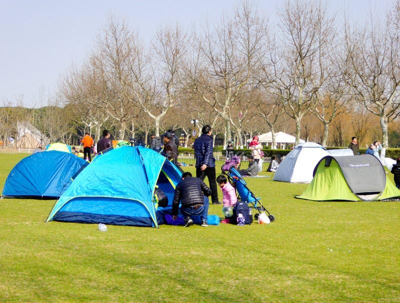 Zelte innerhalb des Jahrhundert-Parks stockbild