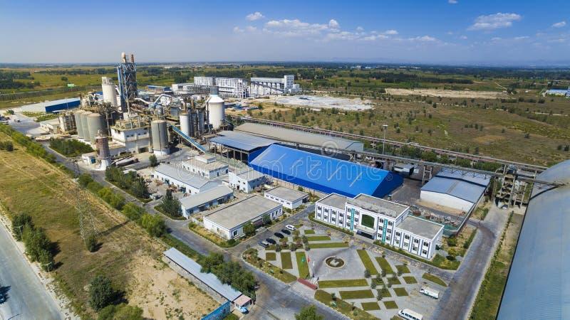 Zementfabrikporzellan lizenzfreie stockfotografie