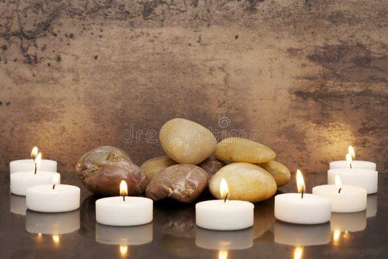 Zen-comme des bougies photographie stock libre de droits