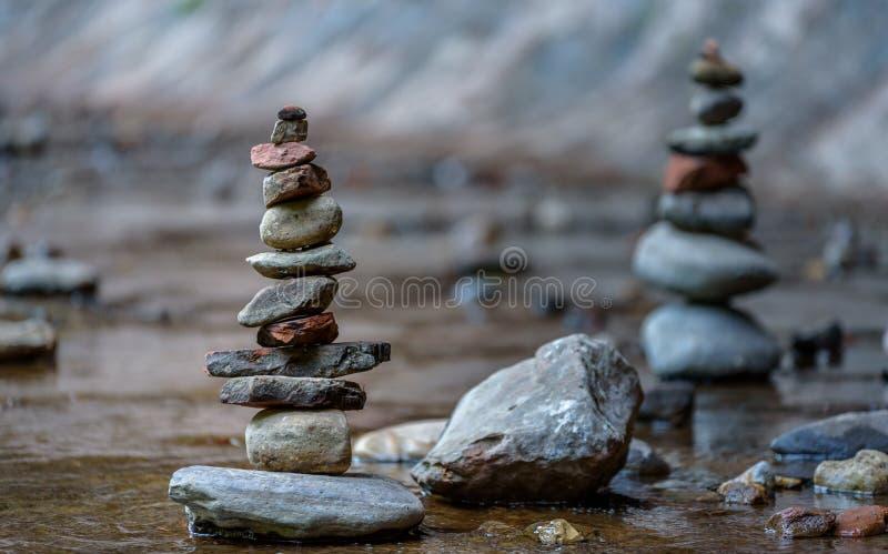 Zen e equilíbrio na natureza imagens de stock