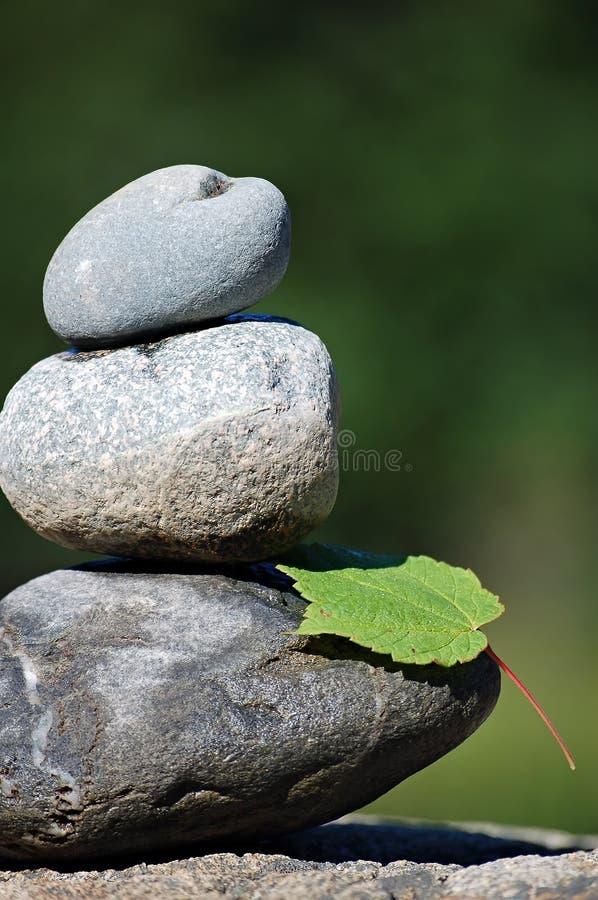 Zen-Felsen lizenzfreie stockfotos