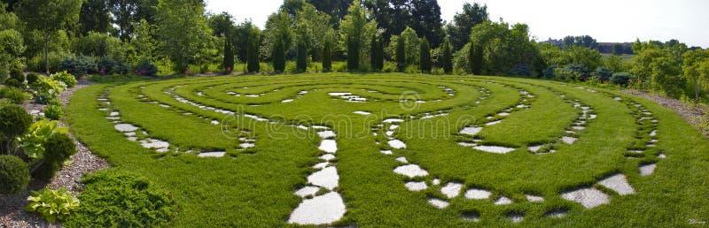 Zen Garden Pathway Panorama foto de stock
