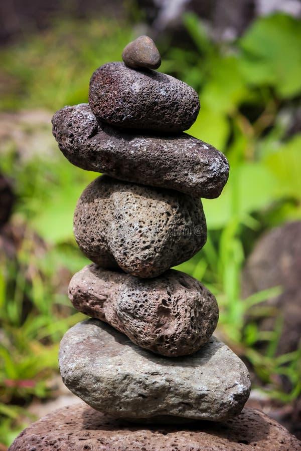 Zen kamienie w Iao dolinie, Maui obrazy royalty free