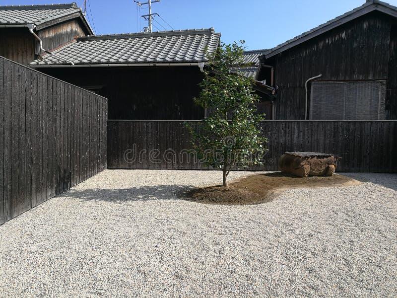 Zenträdgård i Naoshima, Japan arkivfoton