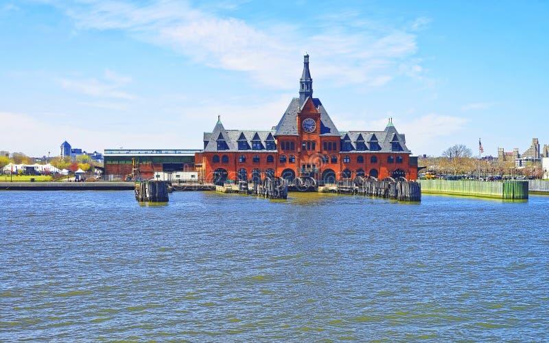 Zentrale Eisenbahn von New-Jersey Anschluss in Hudson Waterfront stockfoto