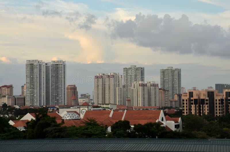 Zentrale Singapur-Gebäude-Skyline mit Glockenturm stockbild