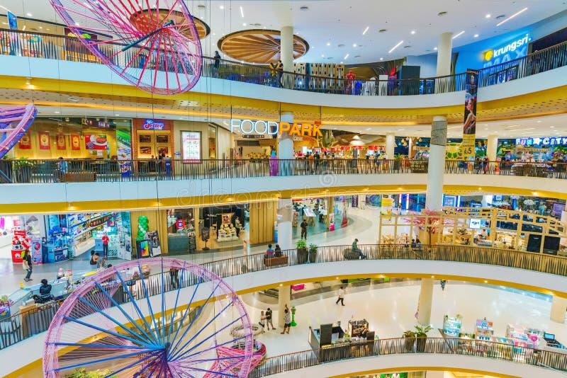 Zentraler Mallinnenraum in Chiang Mai stockfoto