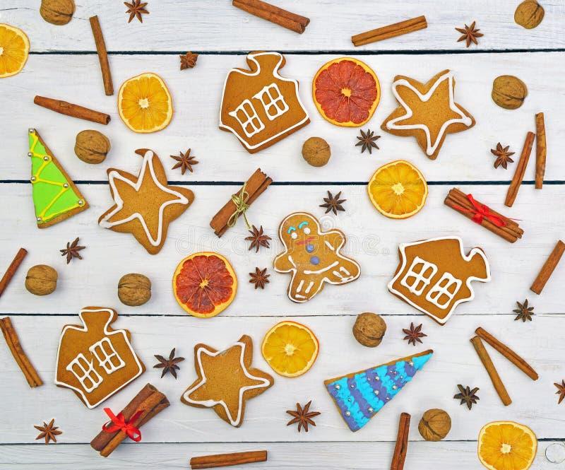 Zenzero del pan di zenzero, insieme differente dei dolci Reticolo di natale Sia fotografie stock libere da diritti