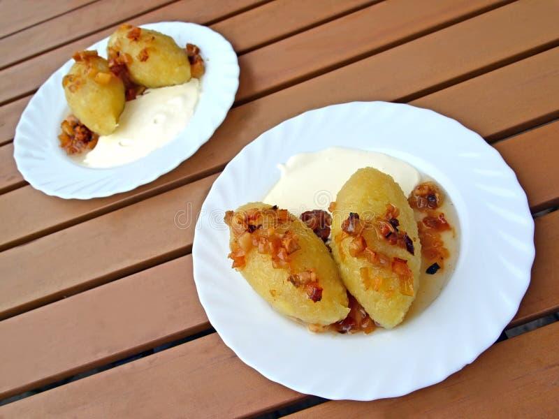 Zepelins - um prato lituano tradicional Alimento fotografia de stock royalty free