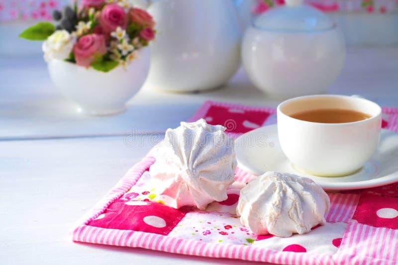 Zephyr и чашка чаю стоковые изображения