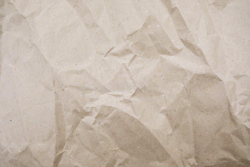 Zerknitterte Papierbeschaffenheit f?r Hintergrund Zerknittertes Kraftpapier mit Kopienraum lizenzfreie stockfotografie