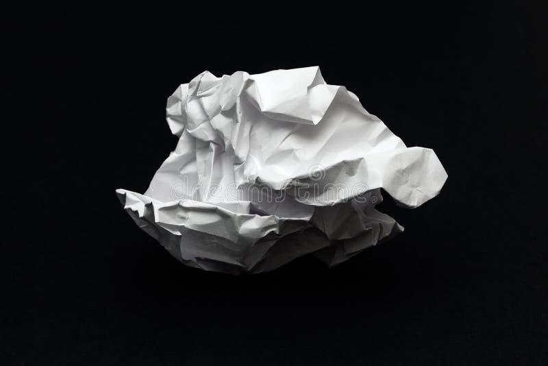 Zerknitterte Papierkugel lizenzfreies stockfoto
