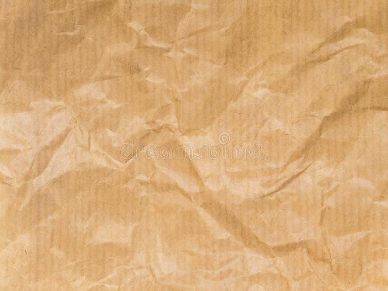 Zerknittertes braunes gestreiftes Packpapier stockbild