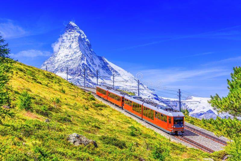 Zermatt, hoteles suizos en Zermatt, Suiza de Switzerland fotografía de archivo